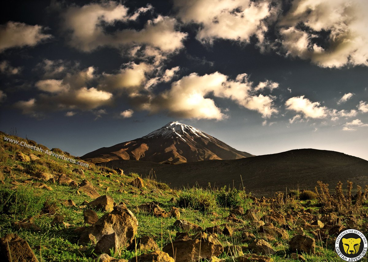 #Damavand ‌  Mount Damavand (5610 m) is the most prominent peak in Iran and the Middle East. This potentially active volcano is also the highest one in Asia. ‌ #iranTour #Cheetah_adventures #traveler #Visit_Iran #photography #adventure #mountain #bpk2winter #climbing #mountaineer https://t.co/lqo5GX0RmR