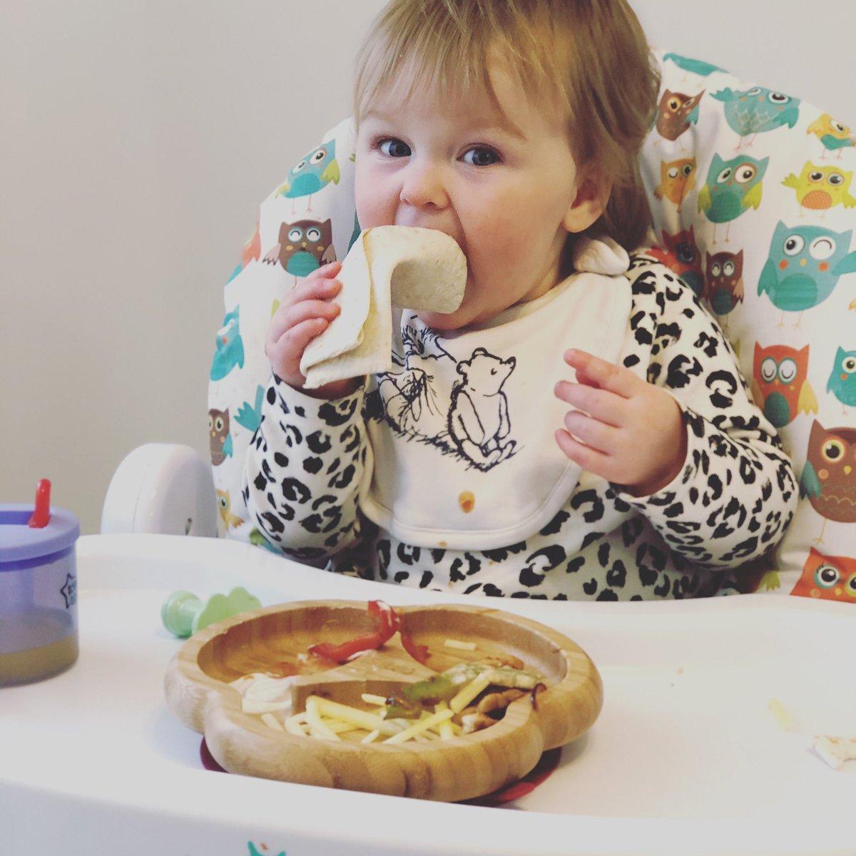 Fajitas for the little princess #babyheidi #food #fajitas #foodiepic.twitter.com/N65o7GYWWo