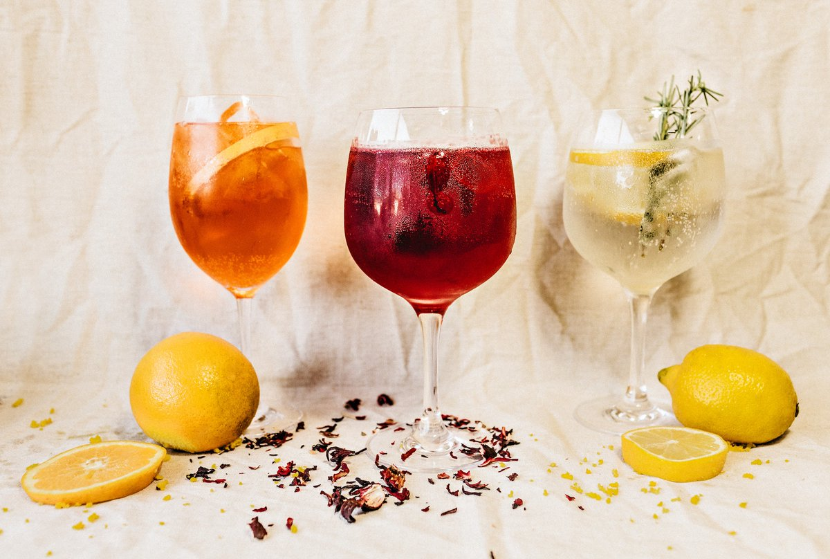 Nuovo #contest: #naming e #payoff per azienda specializzata in produzione di #vini, #gin e #liquori. Per tutti  i #copywriter ecco l'articolo del blog: https://t.co/G20VgRfFlA https://t.co/t0V46XzlWk