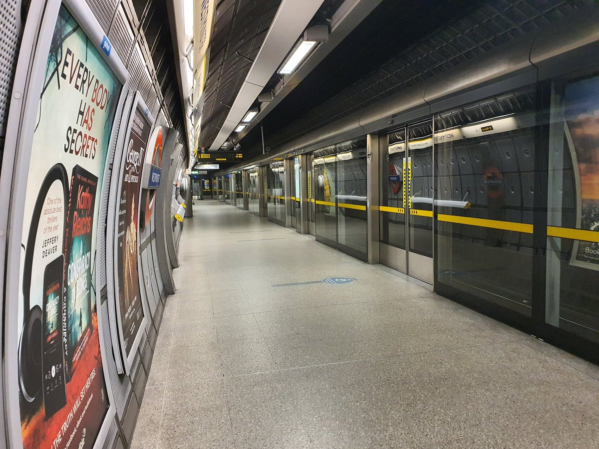 Heading home after a busy day (socially distantly) visiting my @MetTaskforce @MPSRTPC @MPSFirearms teams across #London. Spirits high and resolve to be there for #London through #COVID19 evident. My usual @TfL Jubilee Line home is deserted as Londoners #StayAtHome