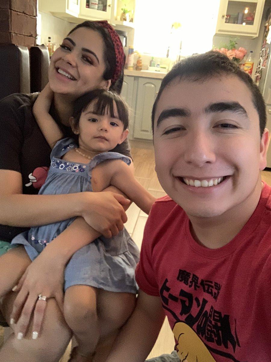 Disfrutando en casa días extraordinarios en familia y nuestras últimas semanas antes de que nazca Mariano. ✨🤍〰️ @irvingtomato #LucianaBanana