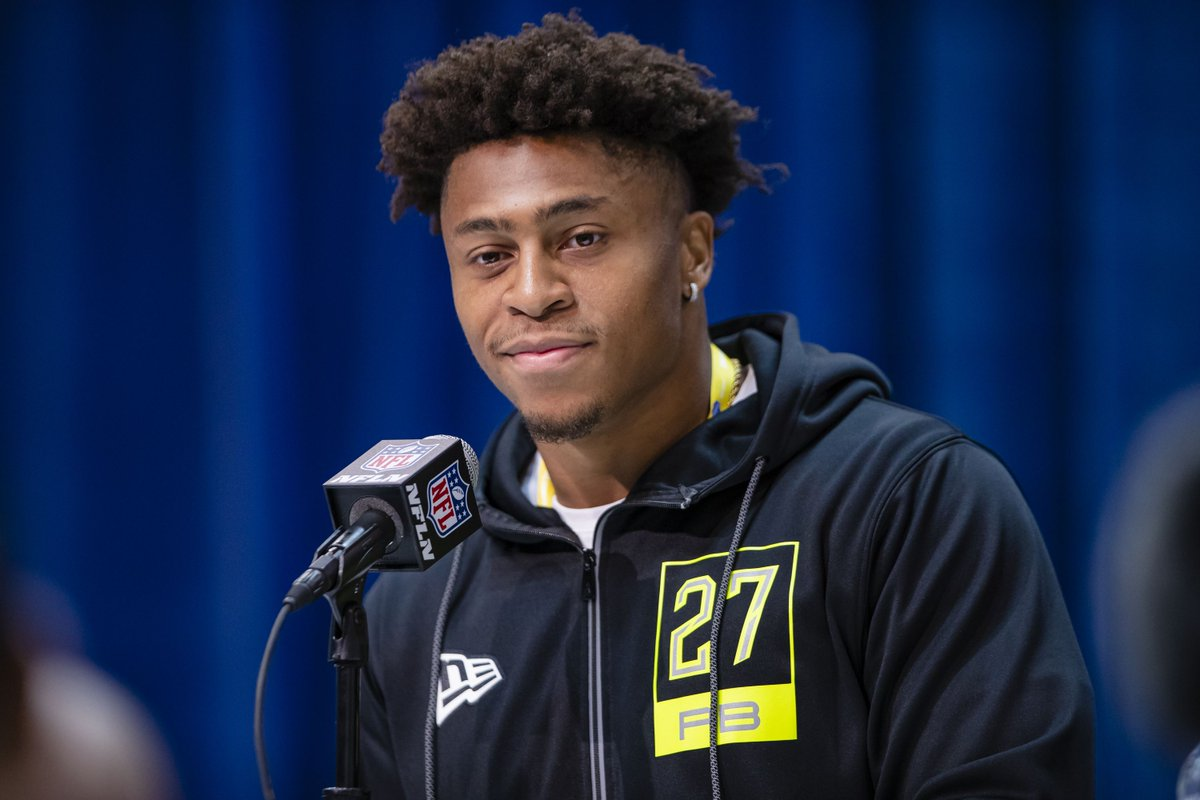 Wisconsin football: mock draft roundup, part II  A couple of new mock drafts were released/updated today and several have #Badgers going in the first round!  #ProBadgers #BadgersInTheNFL