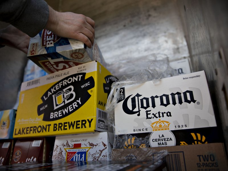 Corona beer in surprise sales surge and Visa repositions Olympics campaign: Wednesday Wake-Up Call http://dlvr.it/RT06vMpic.twitter.com/0r1pnkwyAp