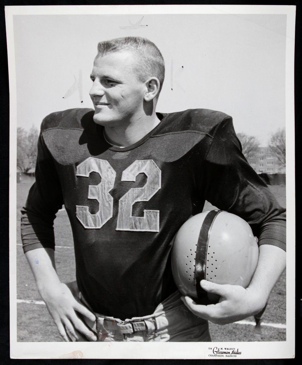Something you never associate with the legendary Ray Nitschke is HAIR! I love these photos of Ray as a young gun with a full head of hair! @packers @ukpackers #GoPackGo