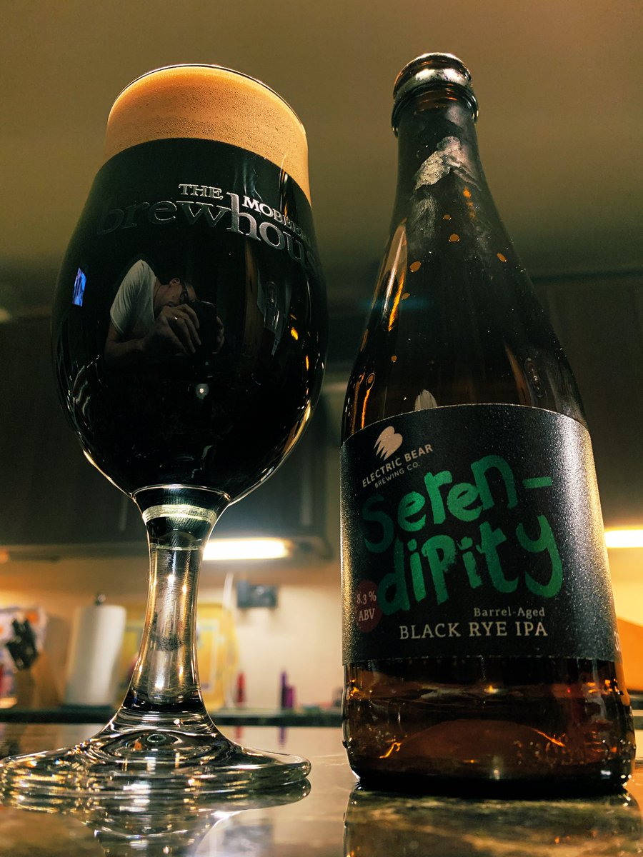 Nothing beats a midweek black IPA. It's marvellous too. #CraftBeer pic.twitter.com/6IXuAuqrm8
