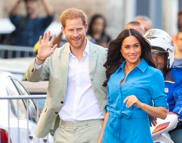 Meghan Markle and Harry make their exit official with new out-of-office message mirror.co.uk/news/uk-news/m…