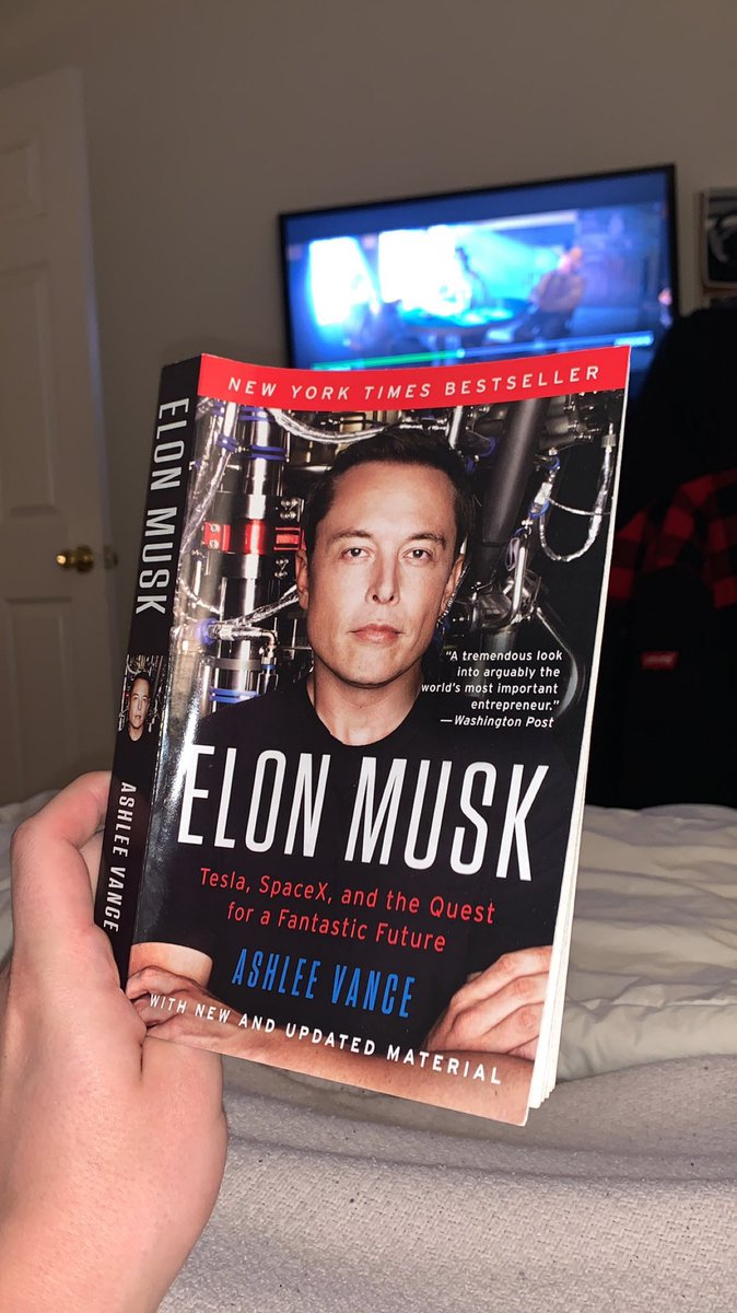 Took a quick break from watching Once Upon a Time in Hollywood (for the 15th time in the past two weeks) to read this book my sister got me as a Christmas gift. pic.twitter.com/oh9rUWd9t2