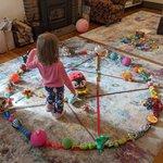 【魔方陣を作り出した】小さな子供がいる家庭でテレワークをした結果