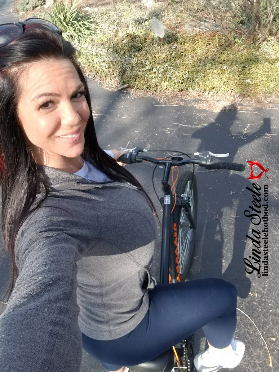 So this happened today! Been a while, felt great! #Teamsteele #staypositive #shesquats #stayactive #staysafe #selfquarantine #thegreatoutdoors #bikeride #besmart #socialdistancing<br>http://pic.twitter.com/k1MgLRVl7D
