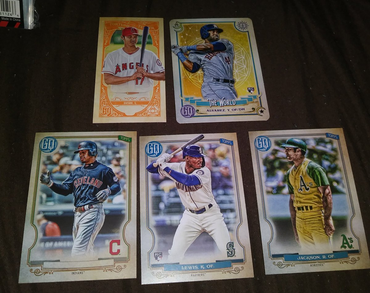 Box 2 had Ohtani FT, Y Alverez TOTD, Lindor Missing nameplate, my PC player K. Lewis. And another High number SP. Reggie Jackson! Not bad for blasters.