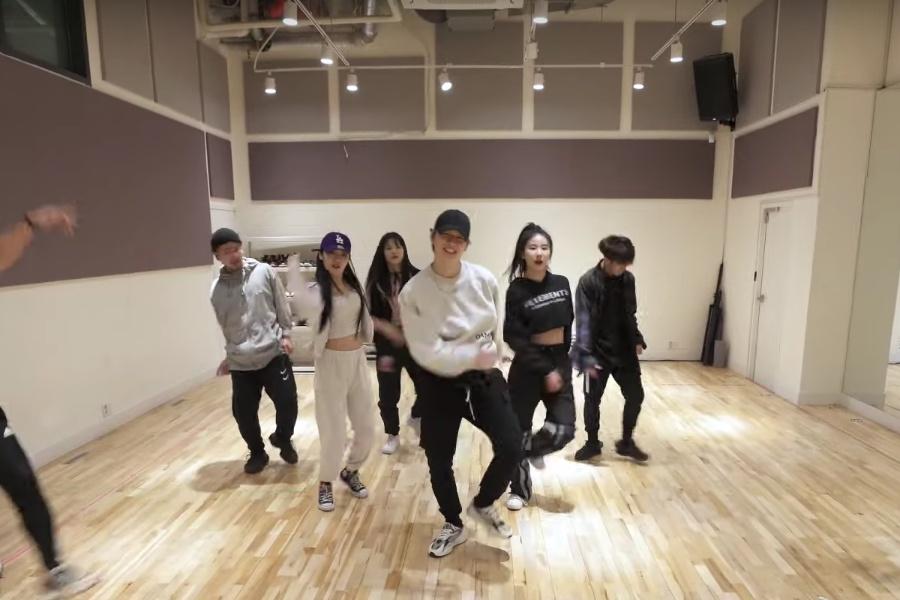"WATCH: #KangDaniel Gets The Groove On In Feel-Good ""2U"" Dance Practice Video https://www.soompi.com/article/1391861wpp/watch-kang-daniel-gets-the-groove-on-in-feel-good-2u-dance-practice-video…pic.twitter.com/Vi42QztAVL"