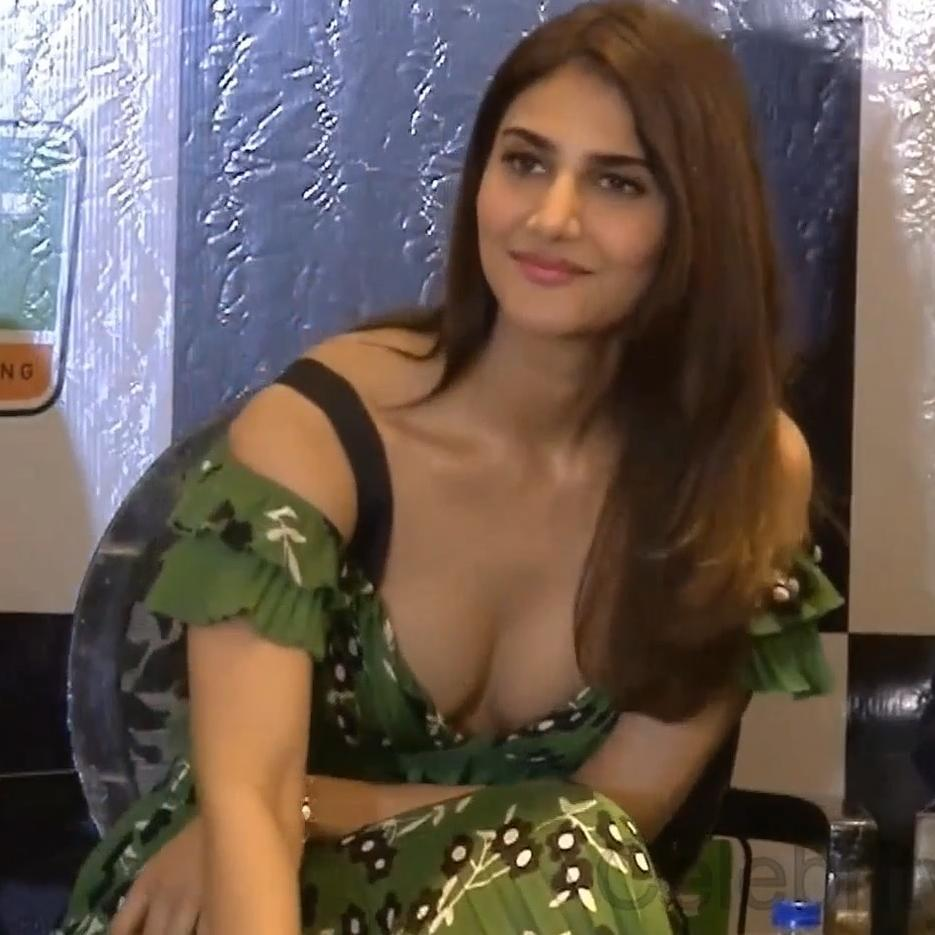 @unseenhotcelebs  vaani kapoor at nrt moto racing event launch #vaanikapoor WATCH THIS VIDEO ON THE YOUTUBE CHANNEL LINK GIVEN ON MY INSTAGRAM PROFILE DESCRIPTION #stars #bollywoodstyle #bollywoodactor #indians #celebritystyle #bollywood #actress #Indian https://unseen.photos/vaani-kapoor-at-nrt-moto-racing-event-launch-vaanikapoorwatch-this-video-on-th-2/…pic.twitter.com/WP0xwzaxVV