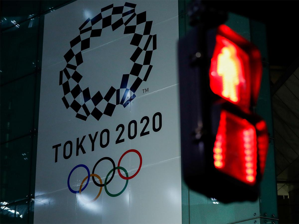 Olympic sports fret over lost Games income   READ: http://toi.in/57pQFZ/a24gk  #CautionYesPanicNo #Tokyo2020 #Olympics #COVID19 #coronaviruspic.twitter.com/T0kPkCHPWn