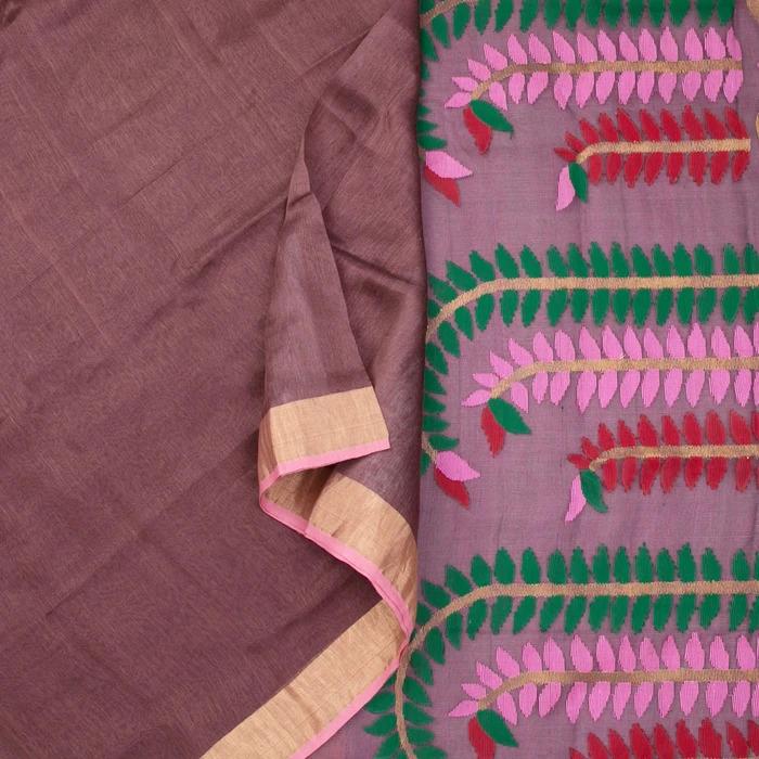 The plain body of this linen silk sari echoes a metallic hue in copper...Sarangi Handwoven Bengal Jamdani Linen-Silk Sari - 1425042BRO http://amp.gs/0aDU #silksaree #handloom #sarangithestore #kanjivaram #chennai #indiantextilepic.twitter.com/PjyRxiCPJR
