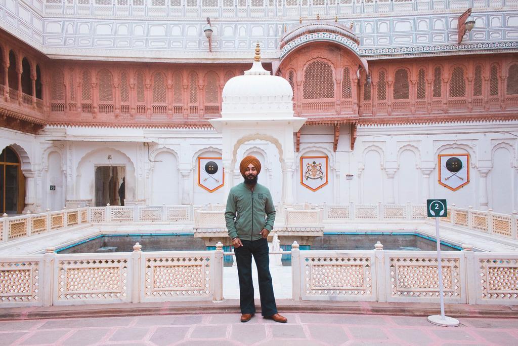 """People don't take trips, trips take people."" ...  #beautifuldestinations #passionpassport #toptags #allaroundtheworld #bikaner #travelpic #globetrotter #rajasthan #placestovisit #travelinspiration #travelphotoblog #travelpics #world_shotz #dreamspots #exquisiteearth #Rajasthanpic.twitter.com/2xEaInlCbL"