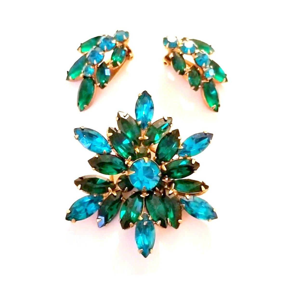 Vintage Designer Peacock Aurora Borealis Brooch and Matching Earrings Signed REGENCY 1960s http://tuppu.net/261404b #Gotvintage #Etsysellsvintage #JunkYardBlonde #VintageCouturepic.twitter.com/Mqe2Jx5pWX