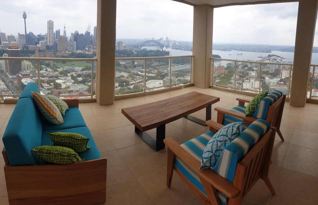 Great views from this penthouse! Panoramic of the entire sydney skyline.  #eclipsefuriture #penthouse #sydneyskyline #sydneyviews pic.twitter.com/CKYrei0sIl