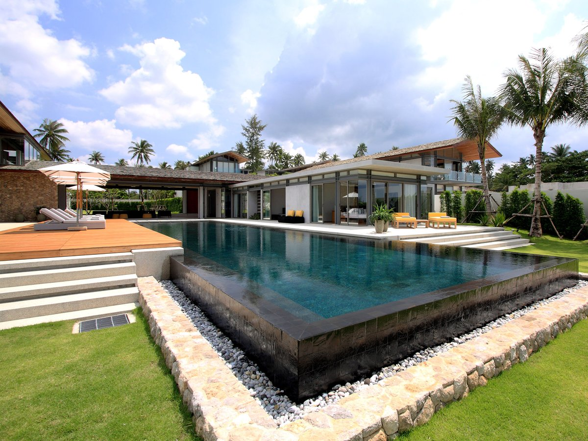 Made for sunny days   Villa Amarelo - Stunning exterior contact  rentals@luxuryvillaphuket.net  #villa #villas  #villarental #holidays #holidayseason #holidayshopping #Phuket #phuketthailand #phuketrent #phuketvilla #phuketvillas #travel #Travelgram #travelingpic.twitter.com/HoW8Afp1fk
