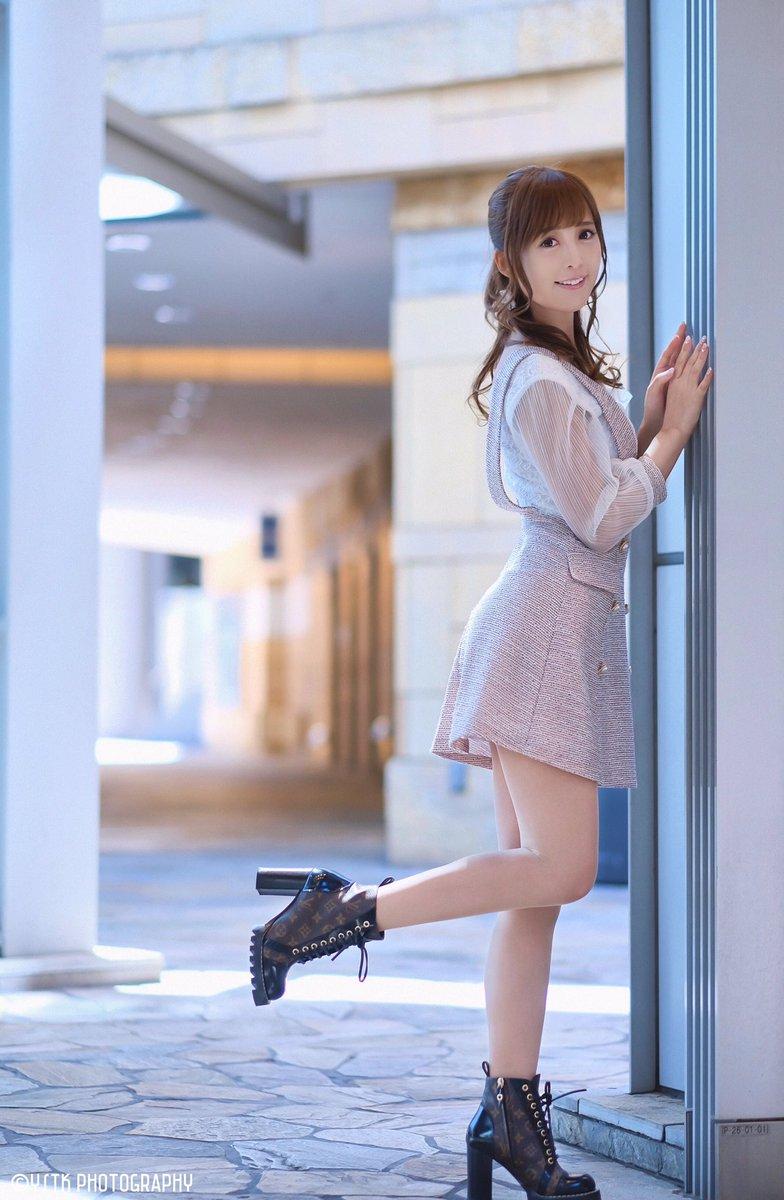 「Spring clothes」  光の感じが好き2枚目から3枚目は同じ様に見えるけど、口の微妙な変化が好きでセレクト←自己満w  X-T2+XF56/f1.2r  Model:Erika Aoi( @corin0205 )  #葵井えりか  #portrait  #ポートレート #photography  #fujifilm  #fujifilmxt2  #fujifilm_xseries #portraitphotographypic.twitter.com/XQwYowNym5