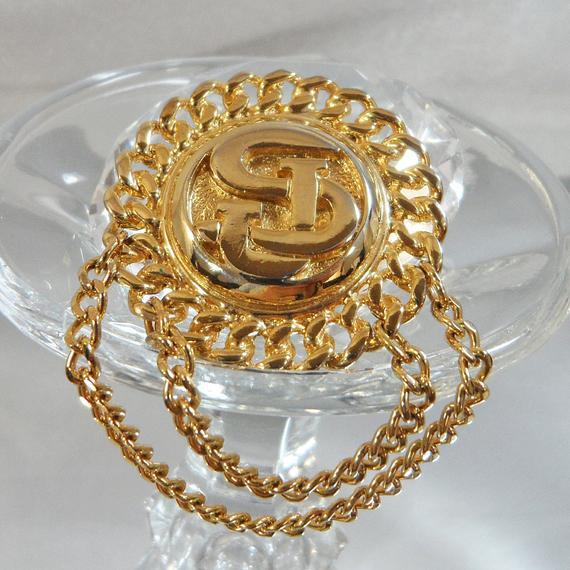 St John Brooch. 22k Gold Brooch. #Vintage Brooch. Designer Brooch. St. John Pin.  #Jewelry for Women. #Gifts for Her. waalaa. #antique #shopping #jewellery #wedding #etsypic.twitter.com/yglmQPdhrG