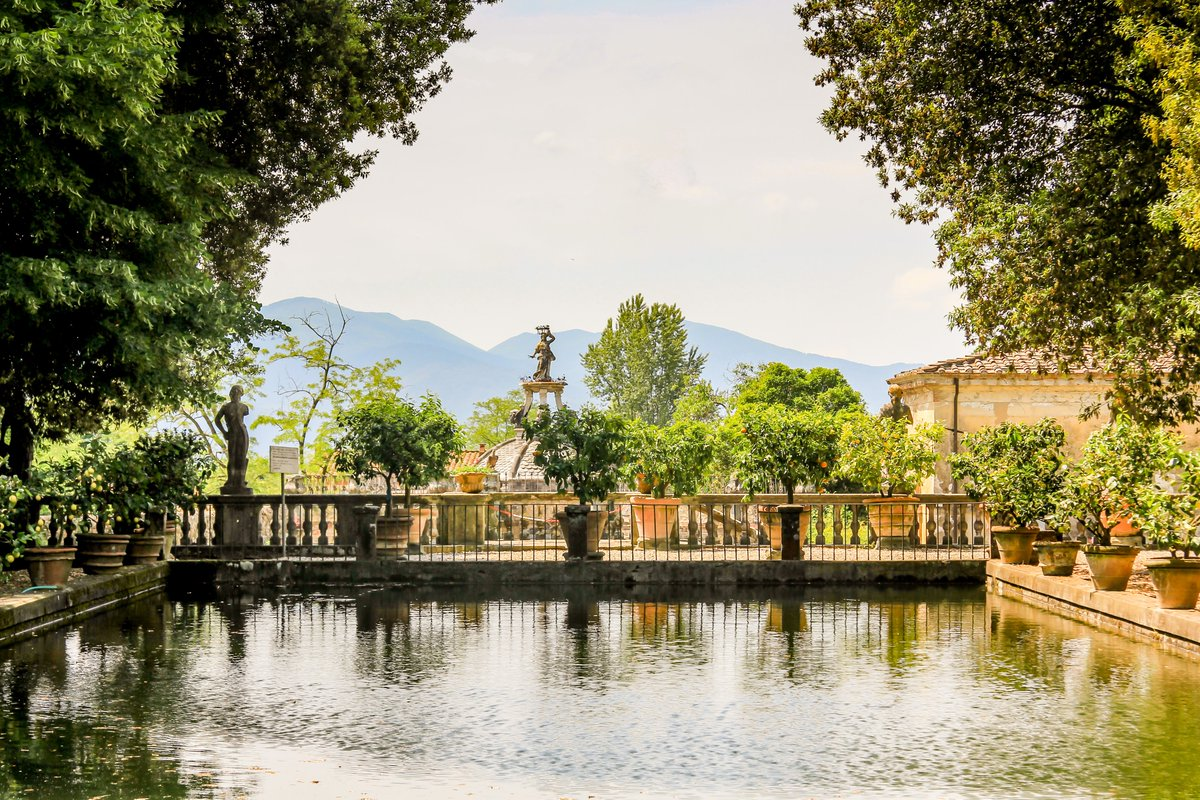 Villa garden view, near Lucca, Italy. #Italy #Garden #water #landscape #landscapephotography #landscapelovers #PicOfTheDay #photo #photography #travel #travelphotography #relaxing #ThursdayMotivation #view #outdoor #villa #designpic.twitter.com/L8B0f5e110