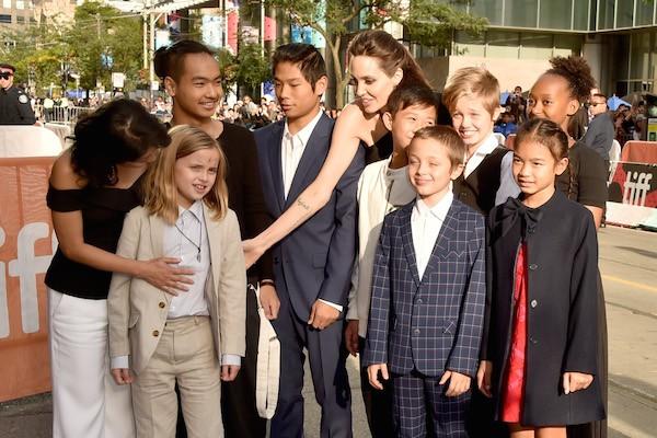 Filho de Angelina Jolie está estudando russo e coreano durante quarentena, revela a atriz https://glo.bo/3bJD9BZpic.twitter.com/piCk7zHaO3