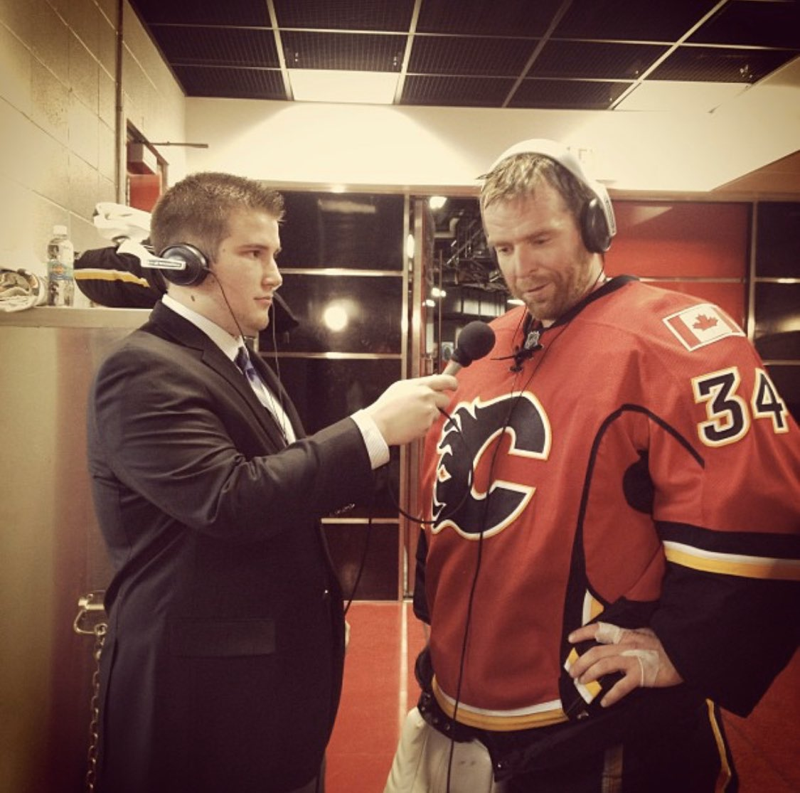 """I also don't have a booth shot, but, I will use this one as it is special to me.  Very first year that I started to do some work and cover the #Flames. Special to be with Kipper back in 2013.   One of the first """"wow, my job could be worse!"""" moments of my career. Thx @CSECRKerr ! https://twitter.com/csecrkerr/status/1245488696616349696…pic.twitter.com/066RLeSkmj"""