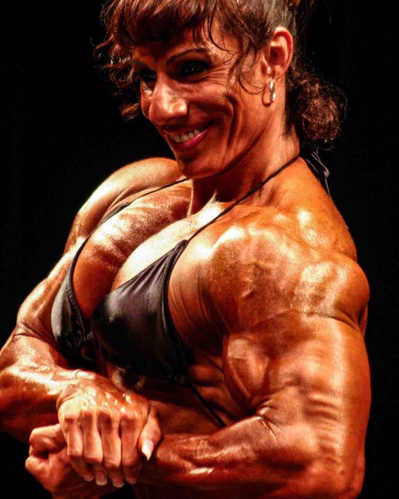 Annie R #femalemuscle #ThursdayMotivation #thursdaymorning #ThursdayThoughts #muscle #muscles #biceps #Flex #ThrowbackThursday #huge #bodybuilding #FitnessMotivation #fitness #pecs #chest #femalebodybuilding #girlswithmuscle #beastmode #gains #womenwholift #power #musclegirlpic.twitter.com/K1vvx5mGDU