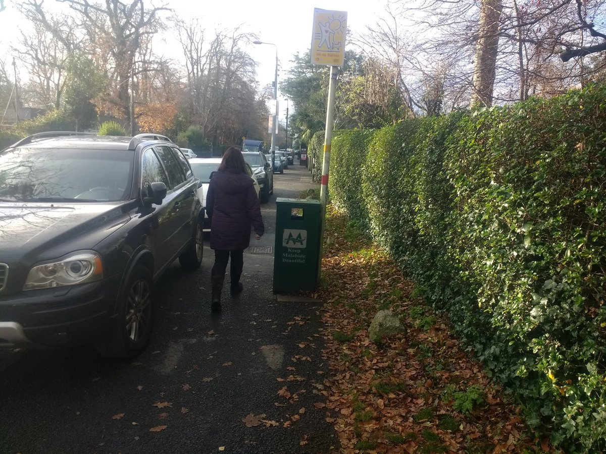 Please enable #SocialDistance  Keep footpaths clear #ThinkBeforeYouPark #StaySafe #StayHome #SaveLives #COVID19Pandemic #coronavirus https://t.co/4UledKXOHE