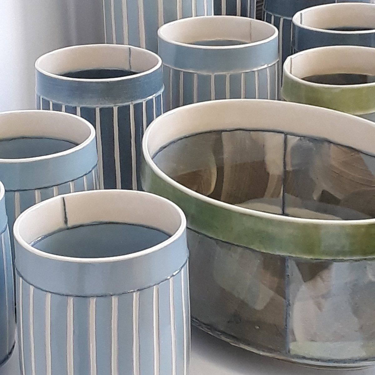NEW!  A few vessels from one of the latest firings.  #contemporaryceramics #forthehome #chooselovely pic.twitter.com/Cccmz4bETK