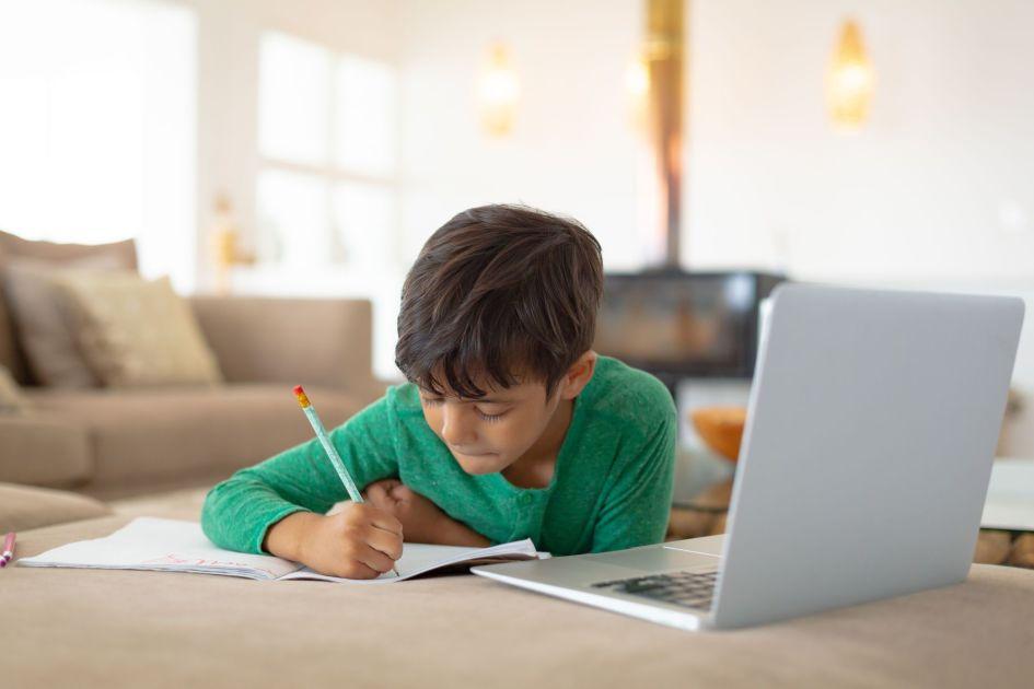 Google donates Chromebooks and WiFi hotspots to California students
