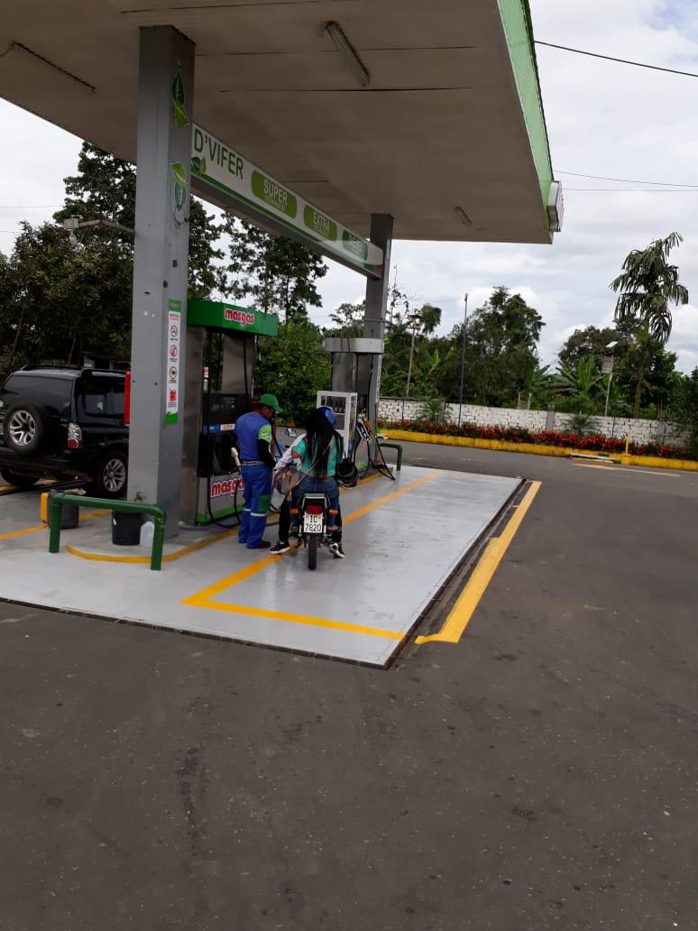 #GobernaciónCotopaxi #JefaturaPangua #ComisariaNacional #TenenciaPolítica #PoliciaNacional verificaron el abastecimiento de las estaciones de servicios de conbustibles en el cantón #Pangua #Por un #CotopaxiMásMejor @Gober_Cotopaxi @Lenin @PresidenciaEc @MinGobierno   01/04/2020 https://t.co/E4r6eZRLWv