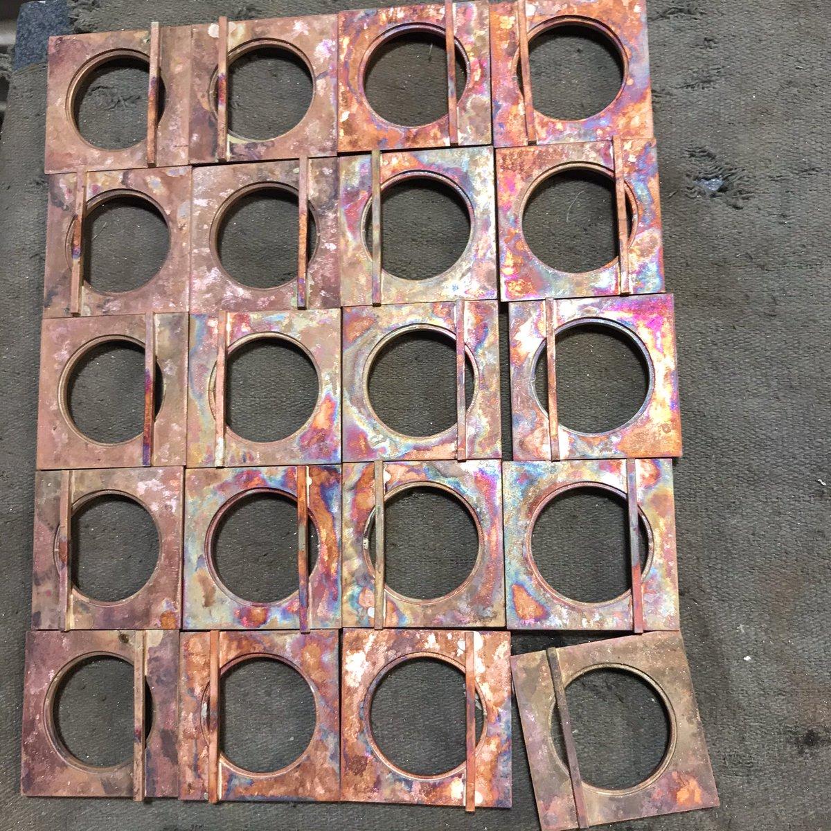 Some people stress clean or eat. I stress make. #metalsmith #maker #madebyhandspic.twitter.com/pJoAOU3KeK