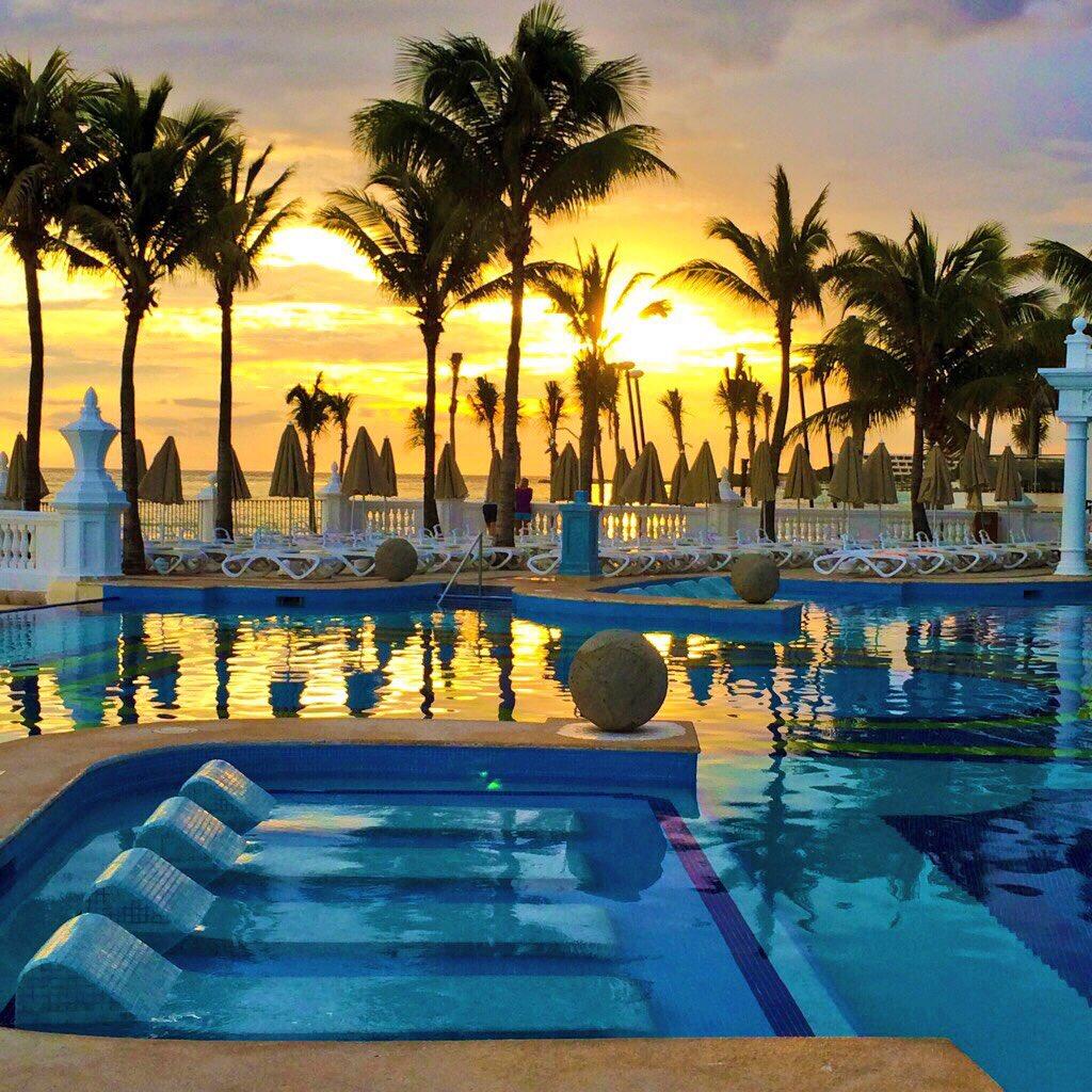 Mexico, Cancun, sunrise twitter.com/garyd74/status…