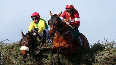 Aintree has donated 10,000 tickets for next years Grand National festival to NHS staff and carers on Merseyside. In full: bbc.in/2X0j0U6