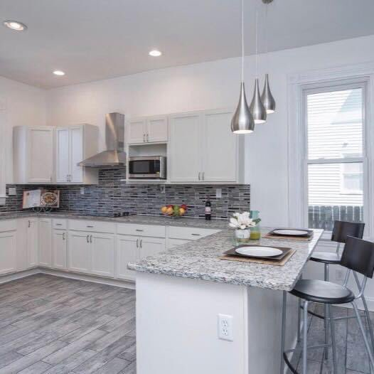 Home staging doesn't have to be complicated. Simple and affordable still sells your house faster. #lapropertypartners #realestateinvestors pic.twitter.com/EqRpBZknzA