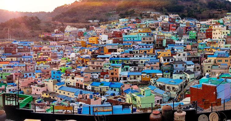 I pray for better days.#missingSK #korea2017 #traveldiaries #travelkorea #travelBusan #Gamcheon #GamcheonCulturalVillage  #travelgramKorea #busan#BusanTravel #theBusanLife #busantrip  #SouthKorea #sheilainkorea  #takemebacktokorea #sepanx #hopeful #faithpic.twitter.com/hRcVS9NZyK – at Target Range Blvd, Pembo, Makati City