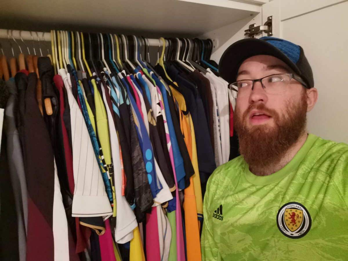 Hmmm think it's time to do the #KitsOutChallenge...  #MLSUK #ForTheCity #NYCFC <br>http://pic.twitter.com/1uHf6jyR5j
