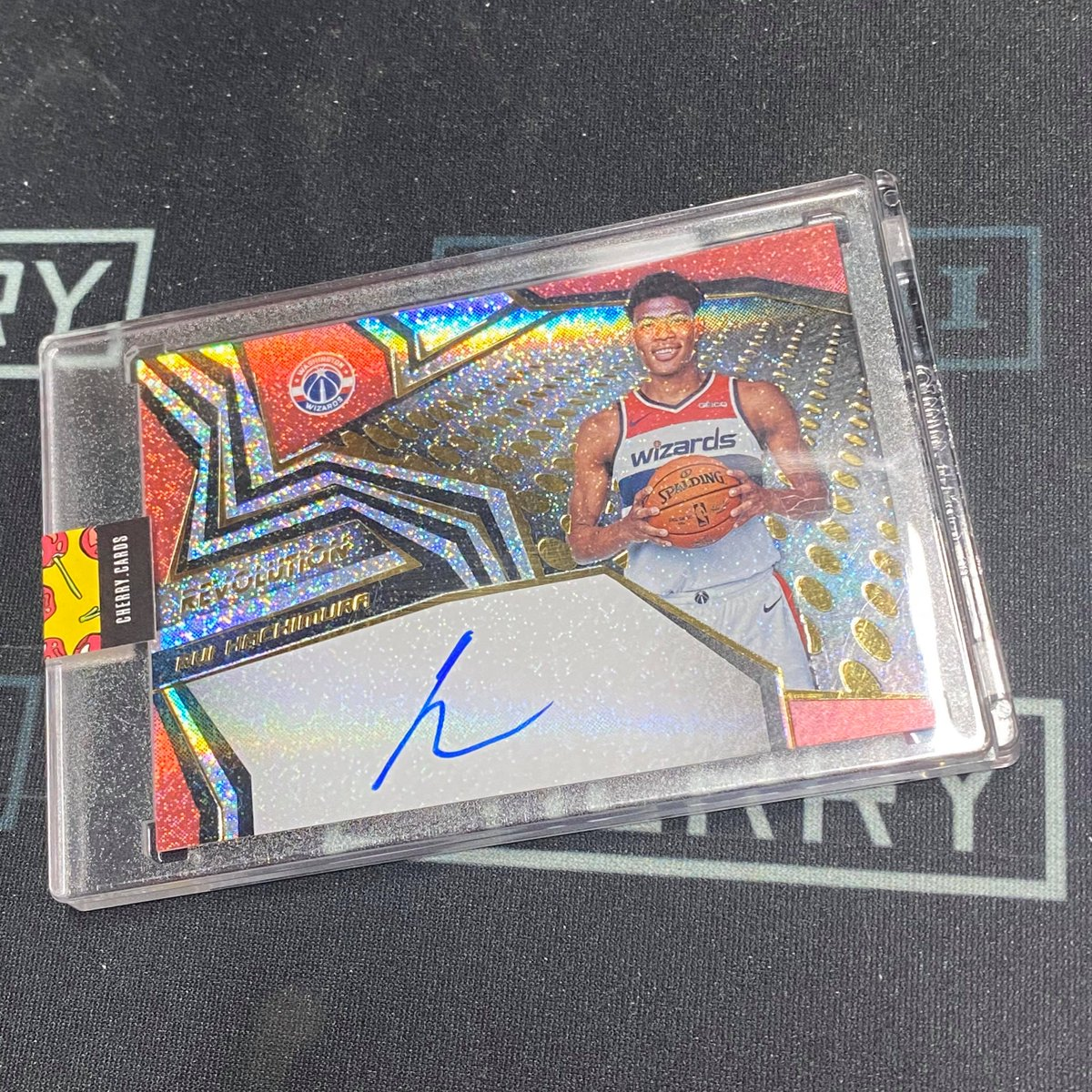 Case hit Rui! #sportscards #whodoyoucollect #thehobby #rookiecards #paniniamerica #groupbreaks #sportsmemorabilia #autograph #casebreaks #basketballcards  #showyourhits #hobbystore #cherrycards #ruihachimura #washingtonwizards #admiralschofield #wizardsnationpic.twitter.com/HrfFXw45ys
