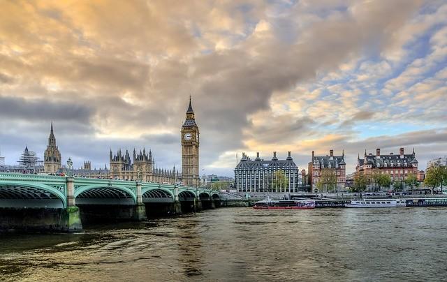 Photo By Skitterphoto   Pixabay   #london #victoria #bigben #viajeros #toweroflondon #viajero #traveluk #viaggiatore #travel #viaggiatori #westminster #uktourism #britishlandmarks #victoria #londontravel #uktravel #westminstercity #towerbridge #thamespic.twitter.com/CJHLU1UrE7