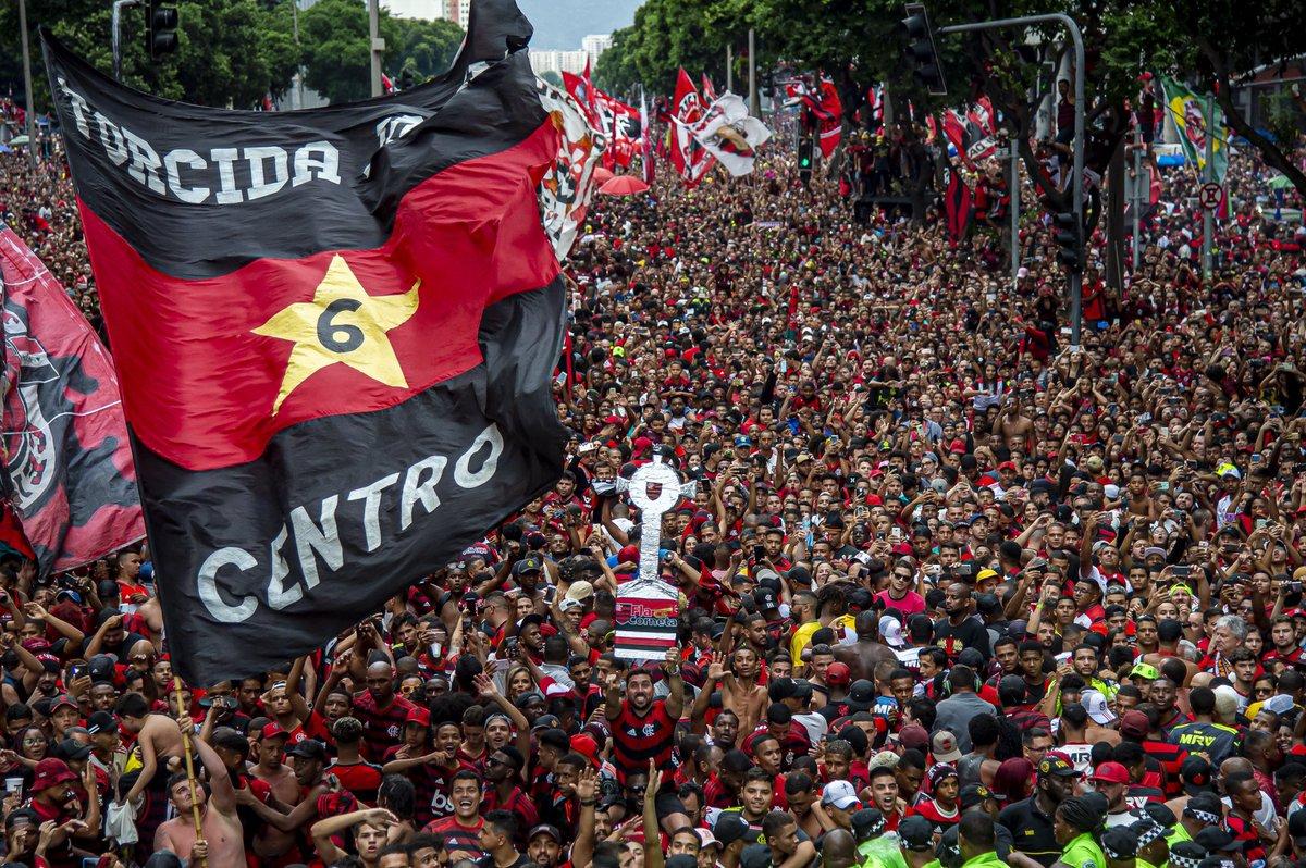 #TBT da Maior do Mundo! #CRF ❤️🖤  📸 Marcelo Cortes e Alexandre Vidal / CRF
