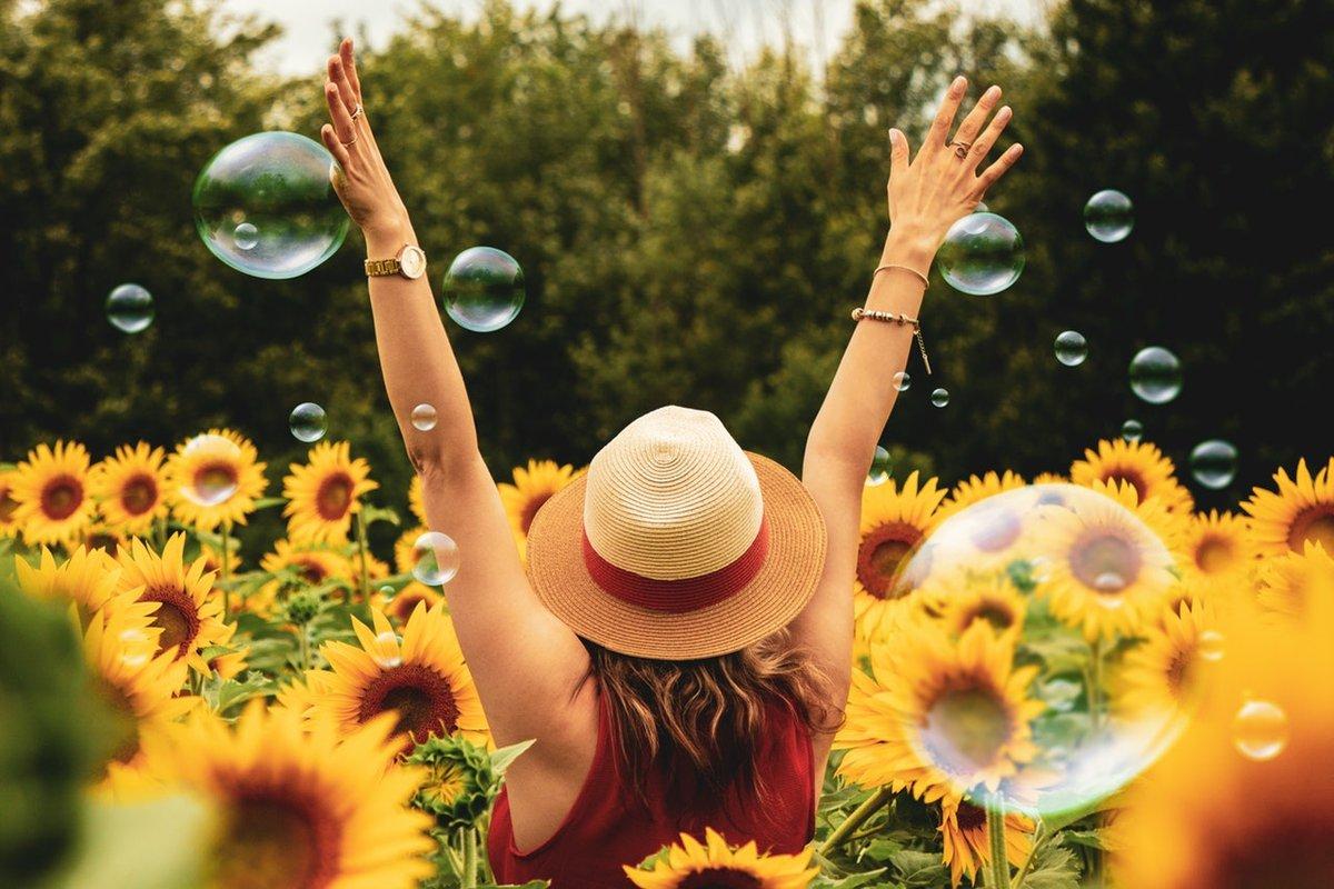 What's your personal floriography? Take the quiz and find out now! #inspiredbypetals #flowersofinstagram #underthefloralspell #flashesofdelight #handmadelove #makersgonnamake #creatorslane #giftforfriend #giftforher #giftformom #waketomake