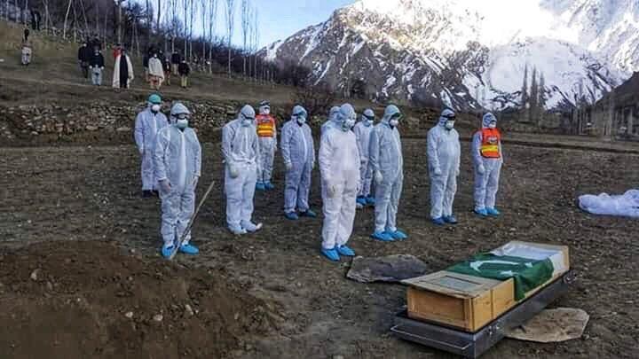 #Gilgit-#Baltistan Health workers demand proper #PPE.  One doctor & one technician loss in #GB due to lack of proper #Corona kits. #COVID19GB  #COVID19Pakistan