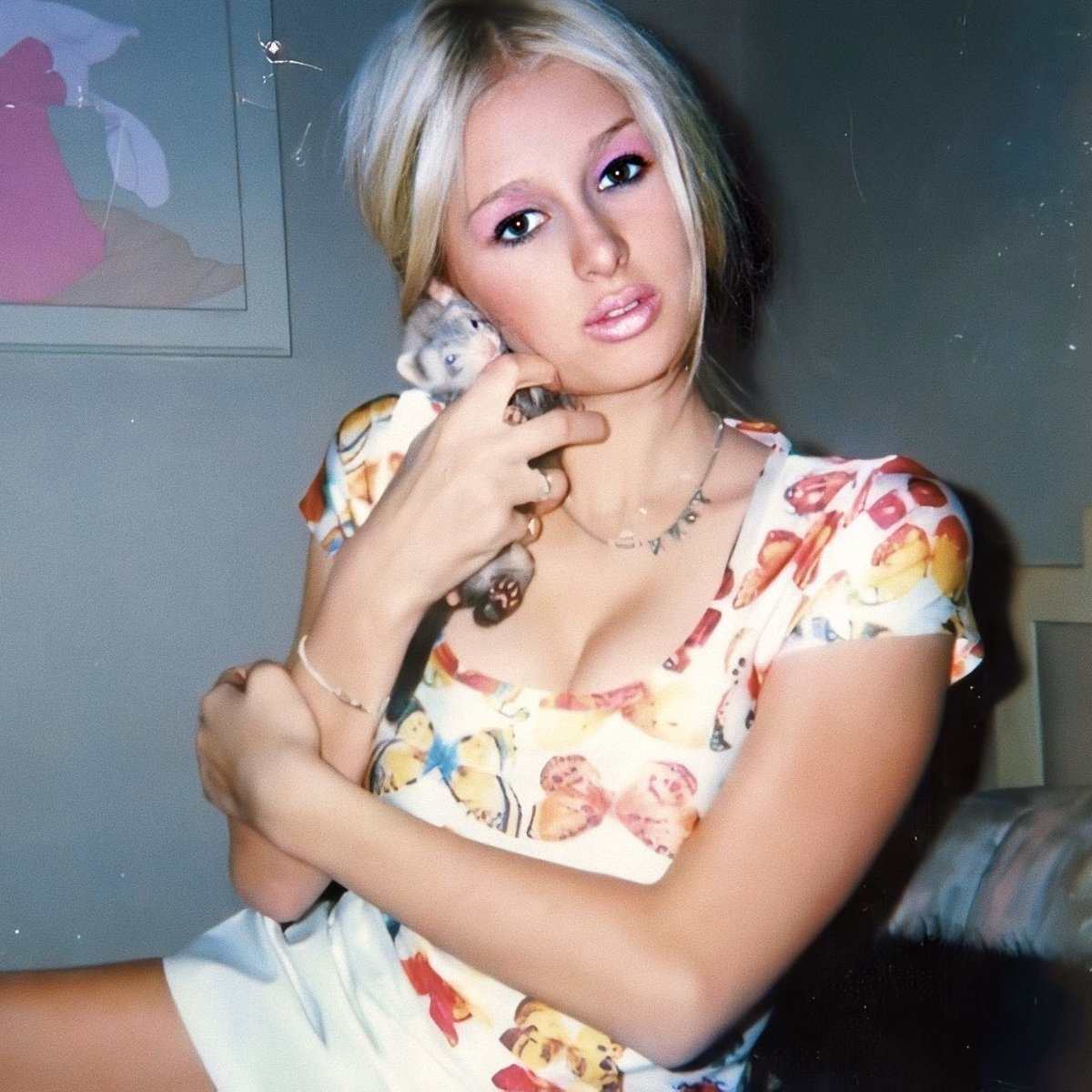 """#StayHome @ParisHilton: """"Back when I was 13 in #Vegas & decided to go an to exotic pet store to buy a ferret & name her #FerretFawcett. 🥰 #TeenParis 👱🏻♀️ #NationalFerretDay """" /"""