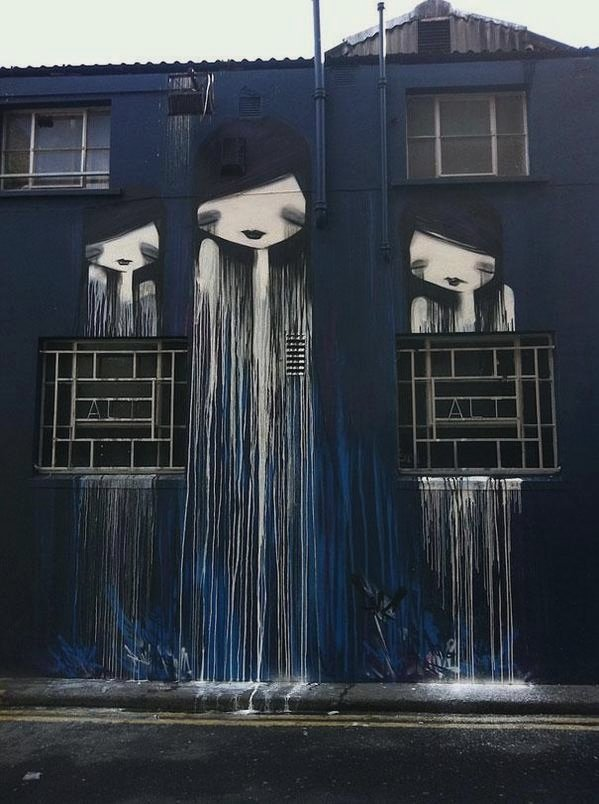 Dermot McConaghy - Her Redundant Heart #dermotmcconaghy #streetart #urbanart pic.twitter.com/uW2l3Tj1r3
