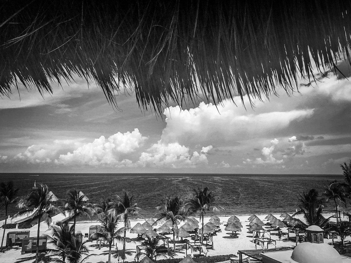 #beach #blackandwhitephotography #CoronaLockdown #emptybeach #monochrom #photooftheday #bnwphotography