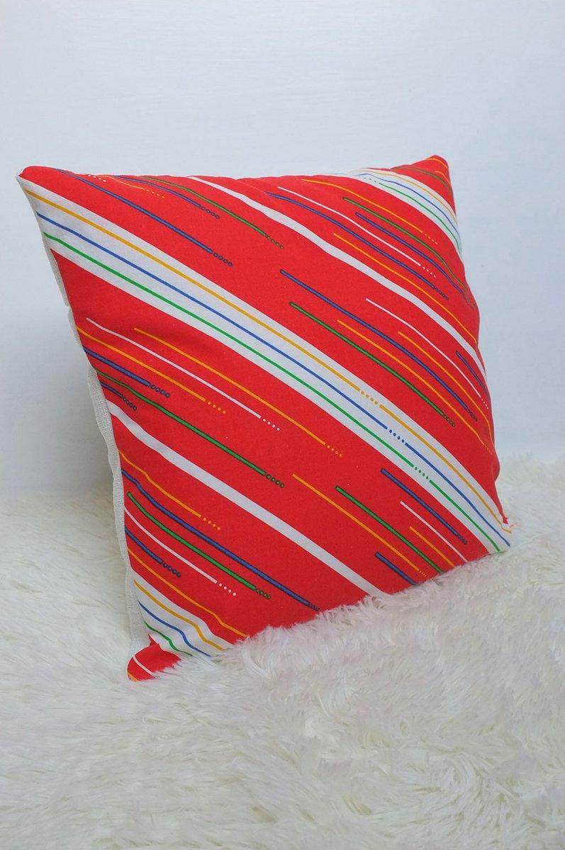 Gorgeous #handmade #retro furnishings now on eBay and Etsy! http://poppetretro.com #shopsmallpic.twitter.com/V5Fmc28NA1
