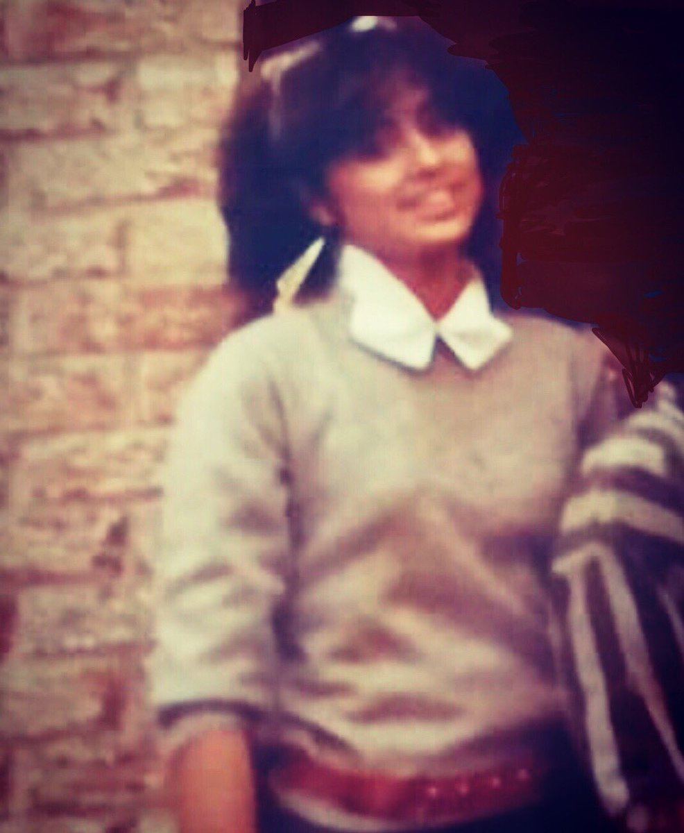 #TBT to High School in the 80s  My favourite memory is not having to pay any bills. #thankfulthursday #throwback #throwbackthursday #memories #throwbackthursdays #Portuguese #beauty #stillsingle #younger #youngeryears #80spic.twitter.com/7PGxykKVdK