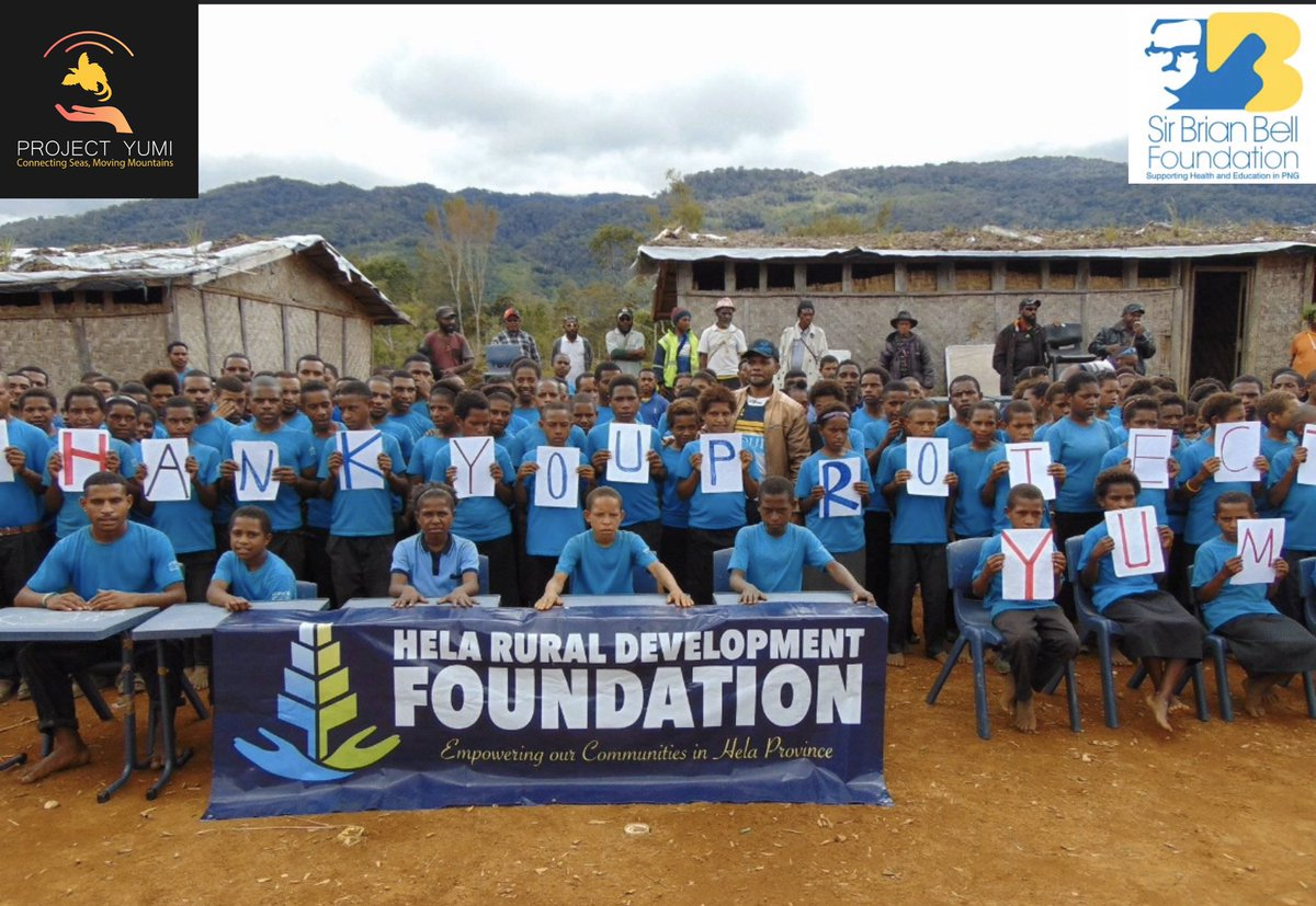 Another fantastic delivery in partnership with Hela Rural Development Association this time to Kagoma Primary school, North Koroba area. #projectyumi #connectingseasmovingmountains #helaprovince #papuanewguinea pic.twitter.com/bVziavLq0E