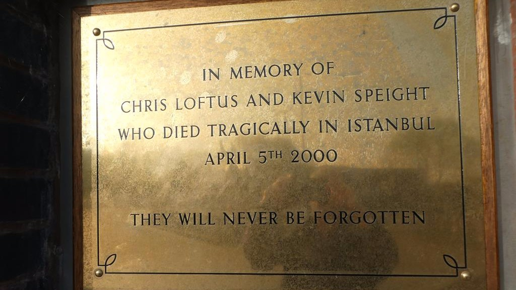 """Remembering Chris and Kevin""  Sunday at 1pm @BBCLeeds we remember Leeds United supporters Chris Loftus & Kevin Speight who lost their lives 20 years ago.  We hear from one of the families, former chairman Peter Ridsdale, an ex Galatasaray director & many who were there. #lufc<br>http://pic.twitter.com/hbGGsUa00Y"